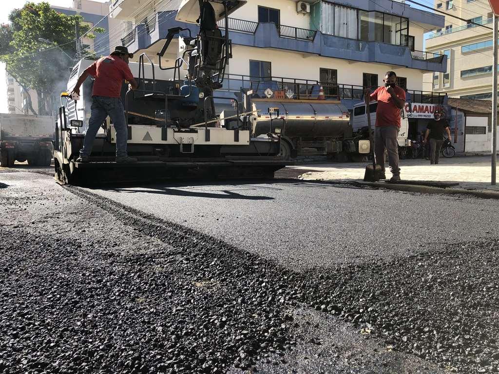 Obras realiza reparo em ruas do Bairro Morretes