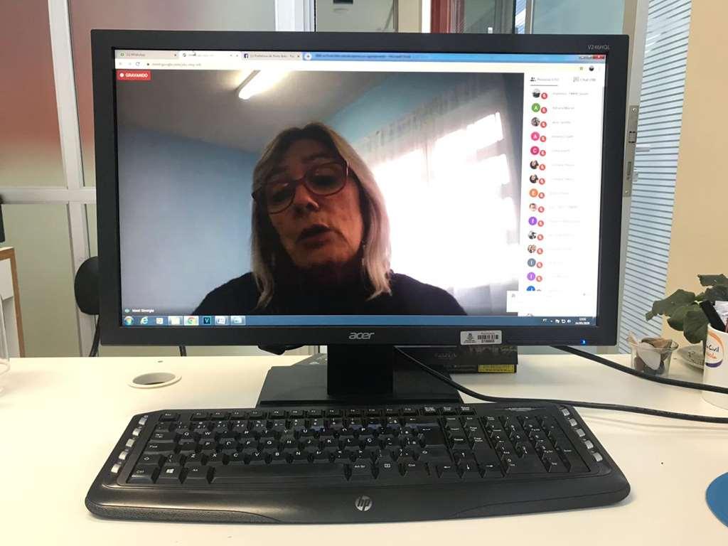 PORTO BELO - Professores de Porto Belo participam de formação online