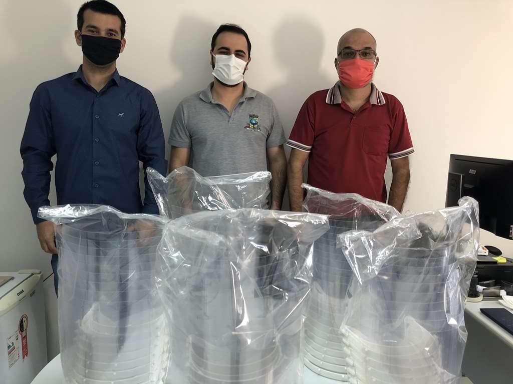 Secretaria de Saúde recebe doação de máscaras e protetores faciais