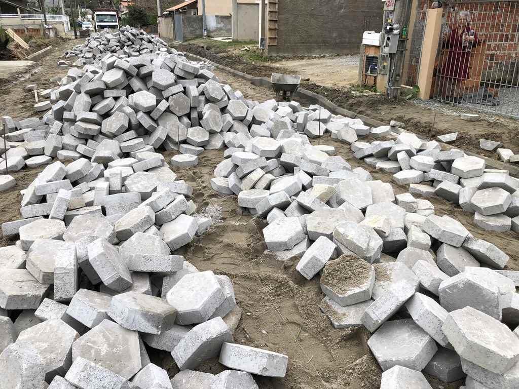 Bairro Alto São Bento vai ganhar pavimentação em lajotas