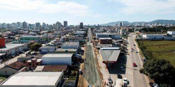 PORTO BELO - Obras públicas seguem em andamento em Porto Belo