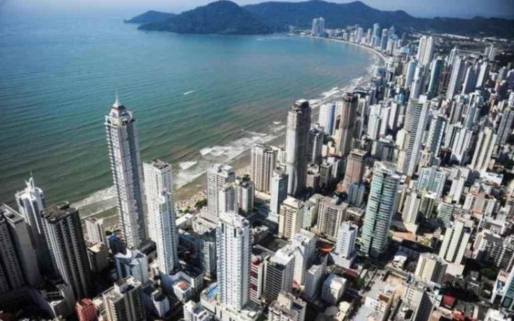 Imóveis de Balneário Camboriú e Florianópolis estão entre os mais caros do país