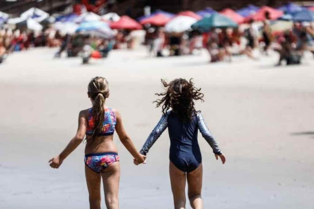 Praias em SC estão liberadas para o verão(Foto: Diórgenes Pandini/DC)