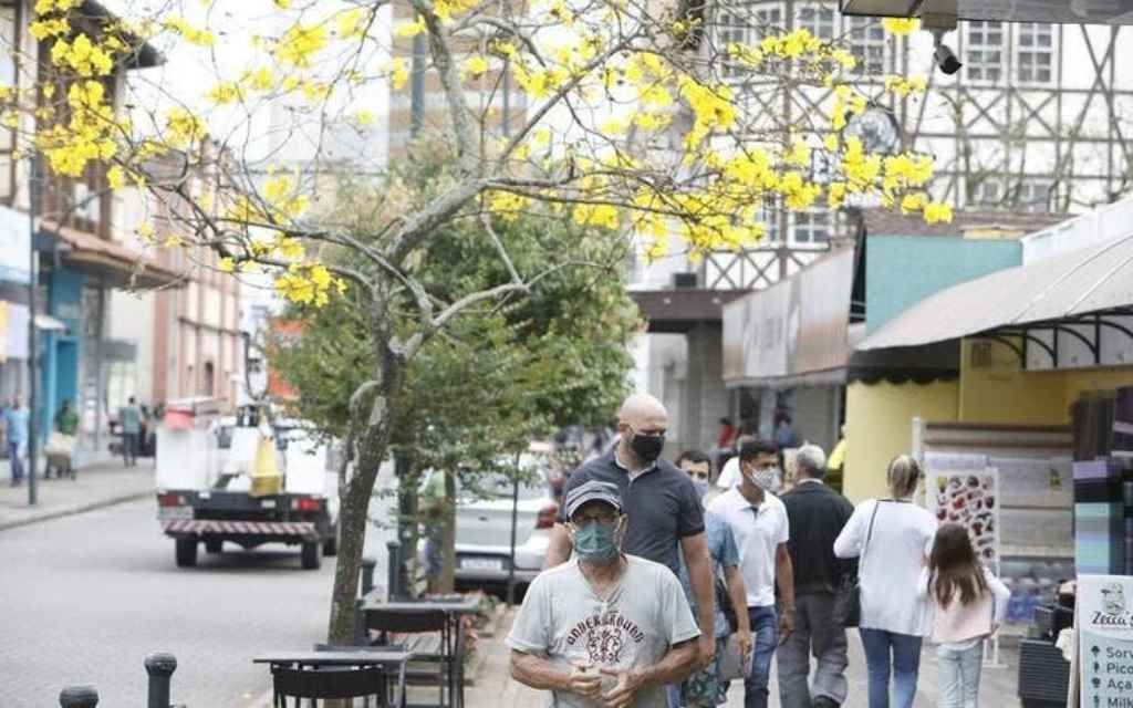 Blumenau teve duas novas mortes registradas nesta sexta(Foto: Patrick Rodrigues / Jornal de Santa Catarina)
