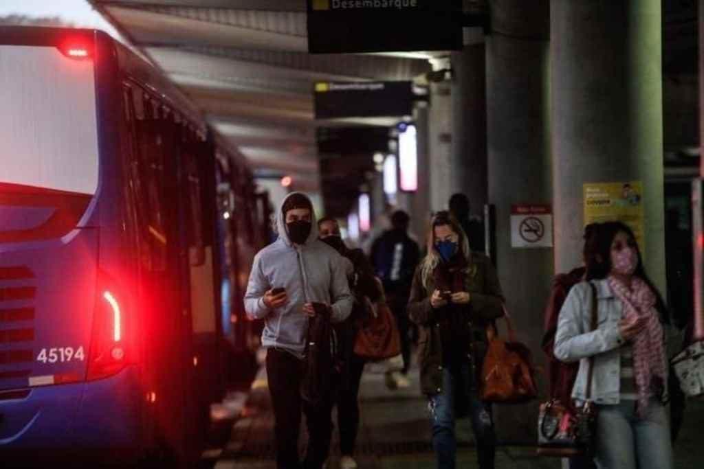 Governo de SC publica regras para transporte intermunicipal e interestadual