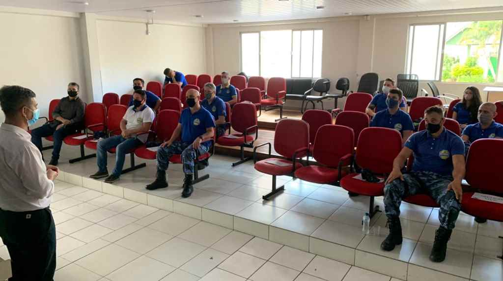 Agentes do Detrami recebem curso de capacitação sobre as alterações no CTB