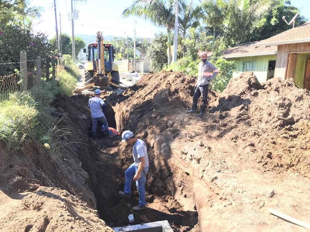 PORTO BELO - Sertão de Santa Luzia recebe drenagem para mais um trecho de pavimentação