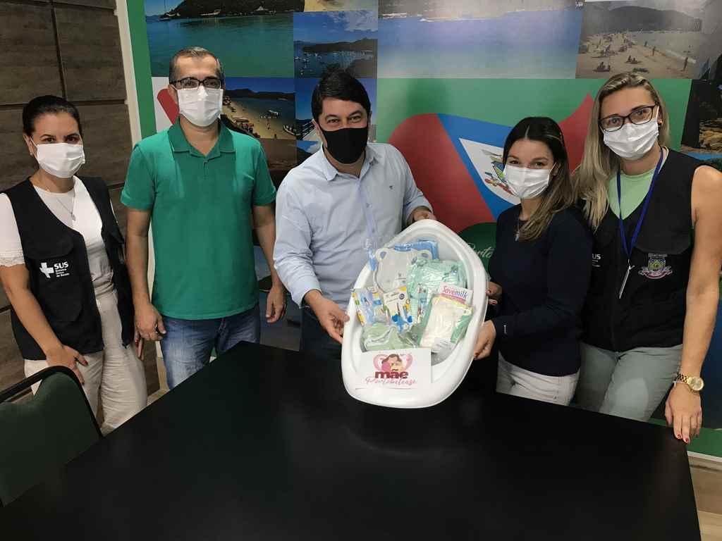 PORTO BELO - Porto Belo distribui kit às gestantes acompanhadas pelo Município