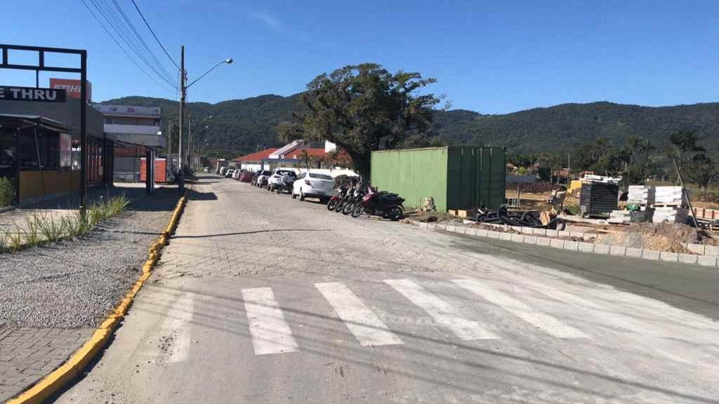PORTO BELO - Rua de acesso ao Fórum de Porto Belo passa a ser sentido único