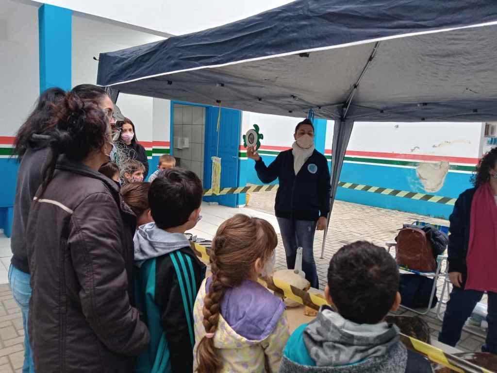 PORTO BELO - Alunos de Porto Belo aprendem sobre a interferência humana no mar através de exposição