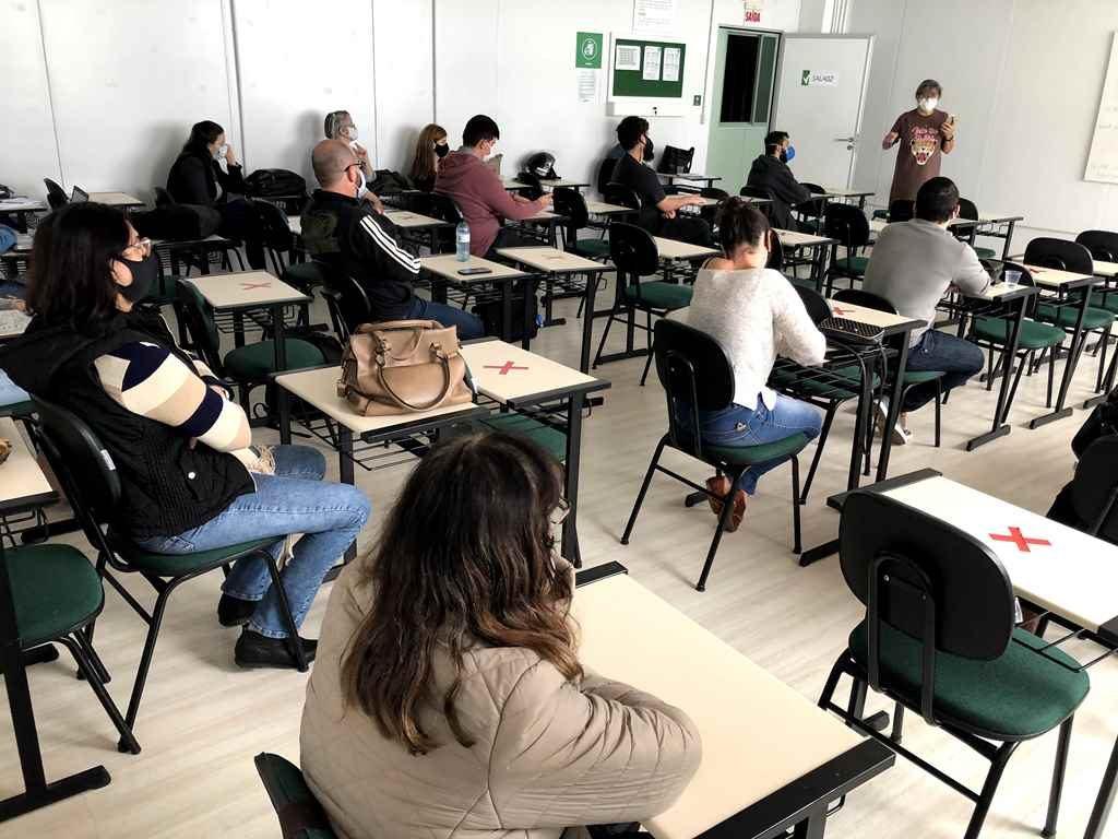 Professores de Matemática participam de formação continuada
