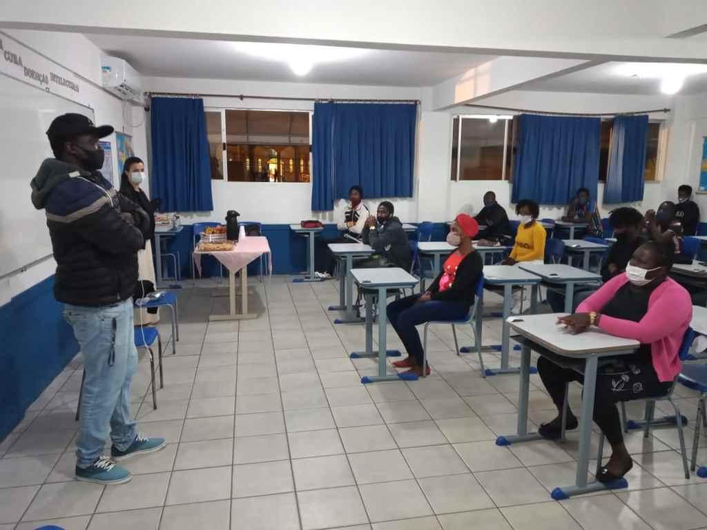 Educação retoma curso de Língua Portuguesa para haitianos