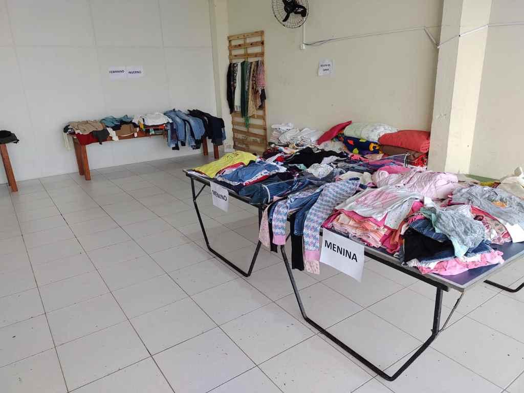 PORTO BELO - Porto Belo distribui roupas arrecadadas em campanha de inverno