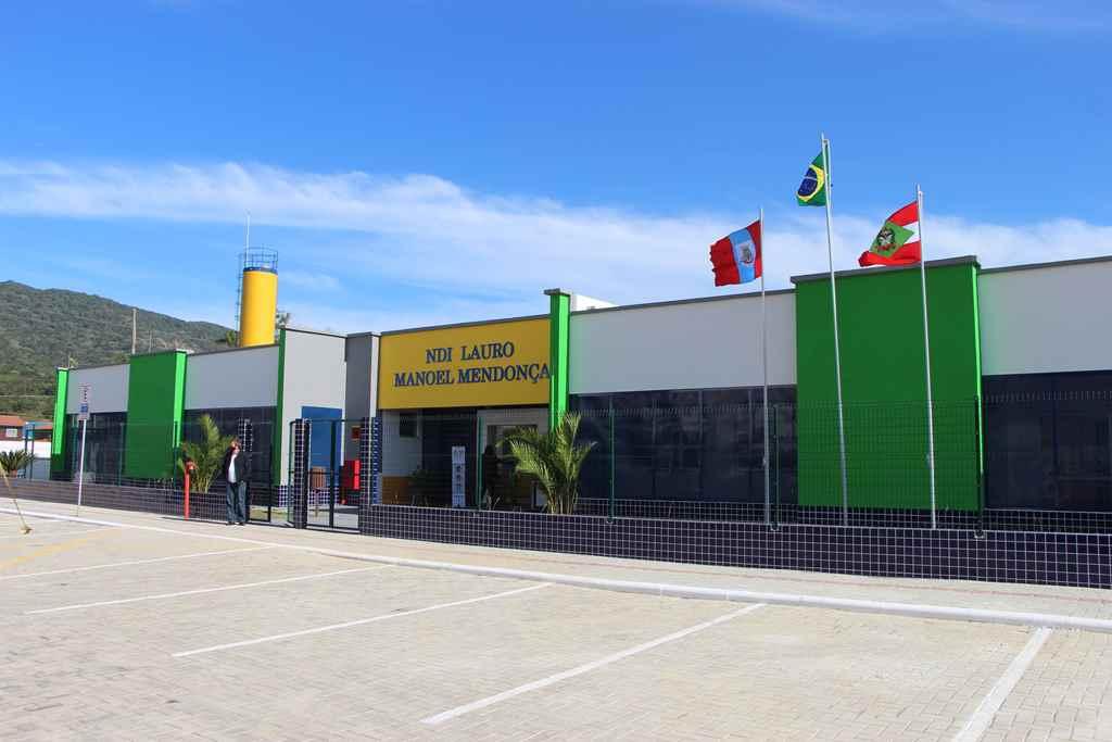PORTO BELO - Nova creche é inaugurada em Porto Belo