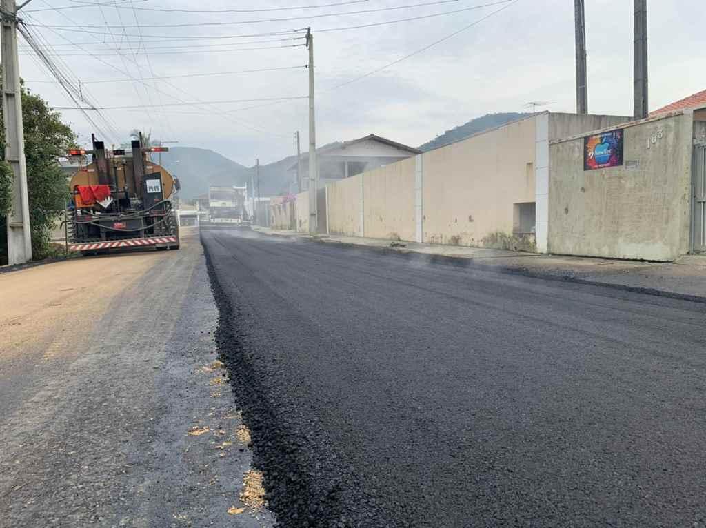 Ruas ganham pavimentação asfáltica no Bairro Alto São Bento