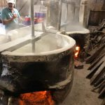 Tradição do engenho de farinha de mandioca é mantida em Itapema