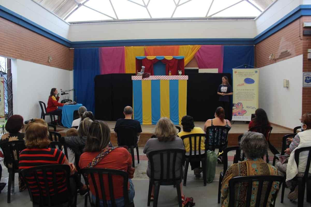 Festirua realiza apresentação em Itapema