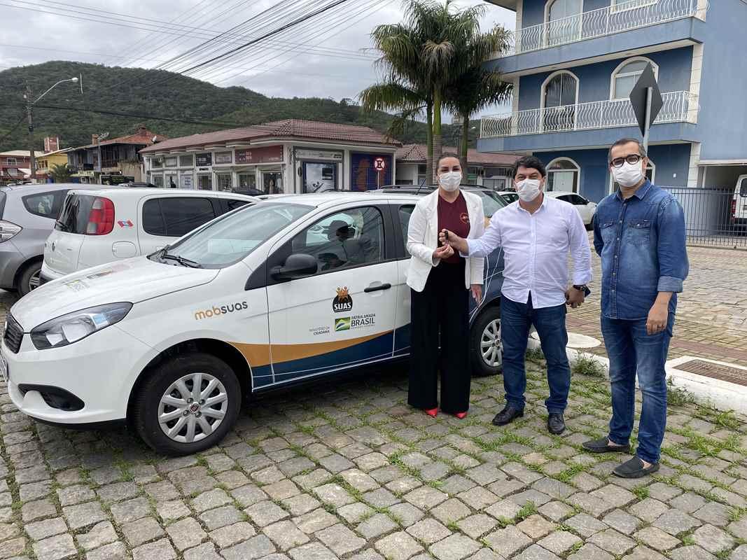 PORTO BELO - Porto Belo recebe carro do Governo Federal através do MobSuas