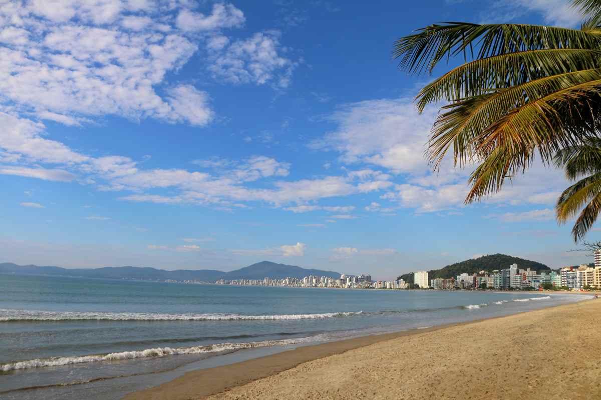 Uso de caixas de som e churrasqueira estão proibidas nas praias de Itapema