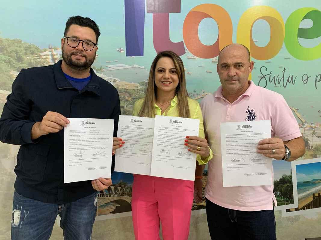 Prefeita Nilza Simas assina ordem de serviço para melhorias em áreas esportivas