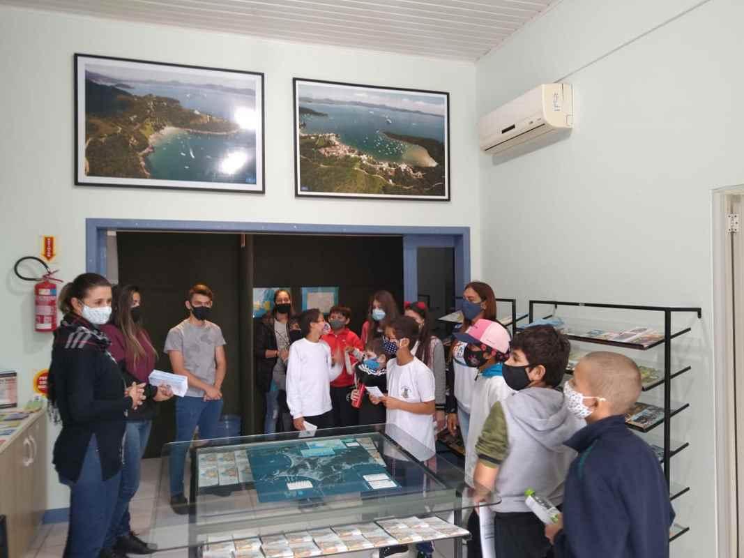 PORTO BELO - Alunos de Porto Belo visitam pontos turísticos através das aulas de Turismo nas Escolas