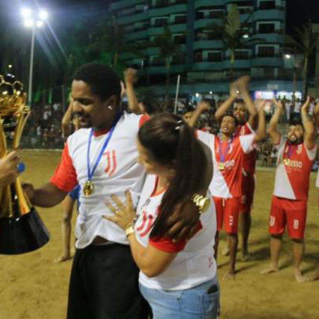 Final do Campeonato Municipal de Futebol de Areia reúne grande público na Praça da Paz