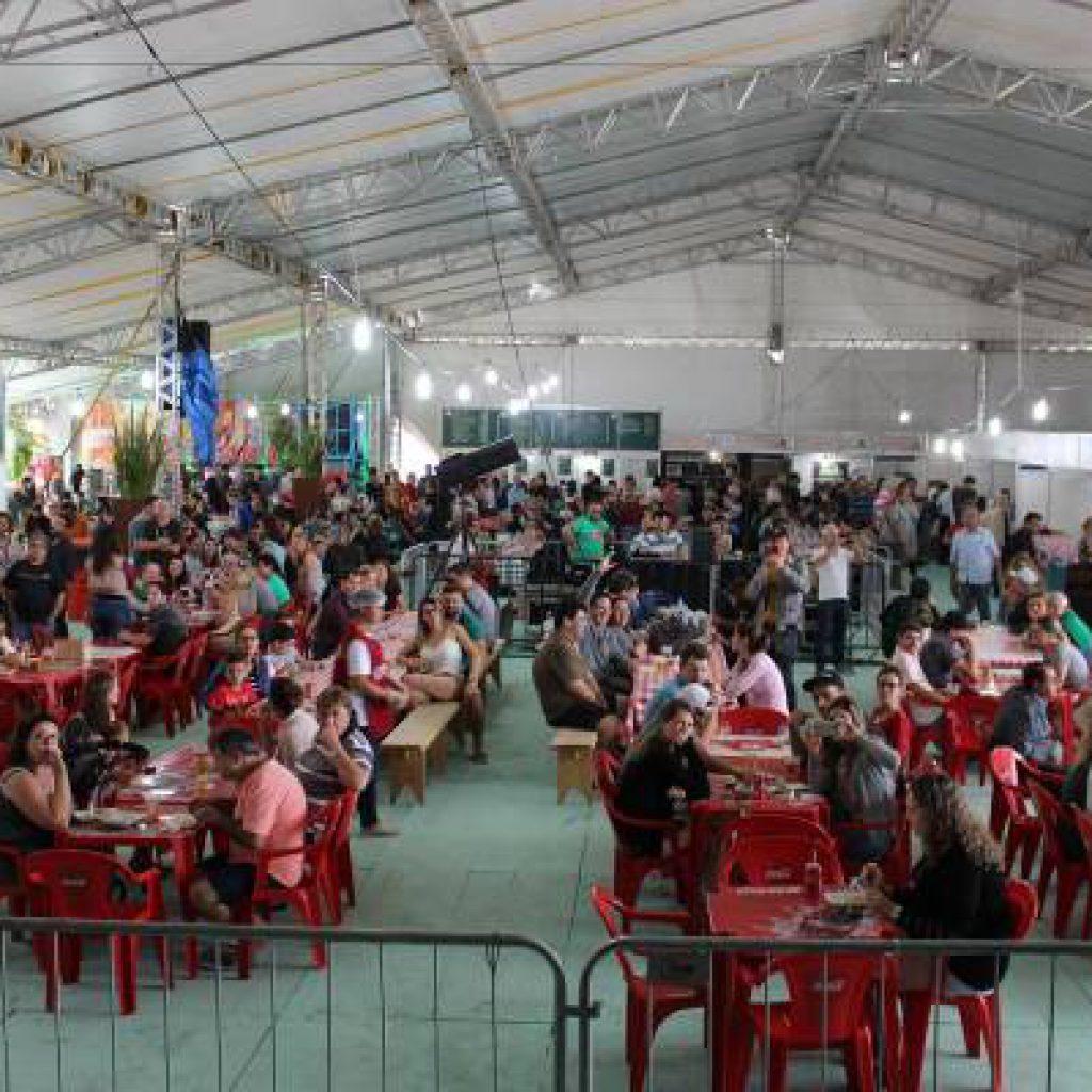 PORTO BELO – Festival do Camarão amplia estrutura e espera receber 40 mil pessoas